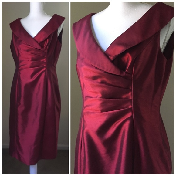 Jones Wear Dresses & Skirts - Ruby Red Surplice Neck sleeveless Sheath Dress 10